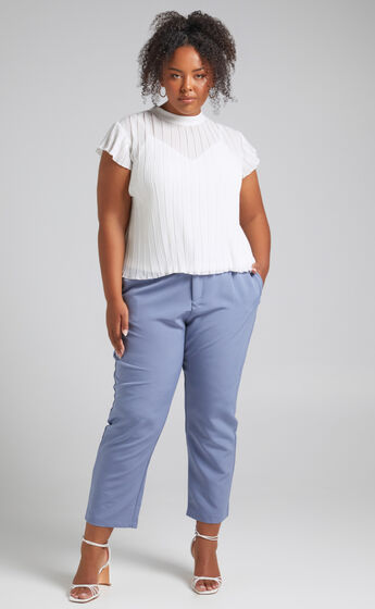 Damika Cropped Pin Tuck Pants in Blue