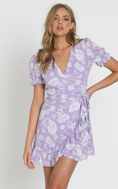 Seaside Views Dress In Lilac Floral