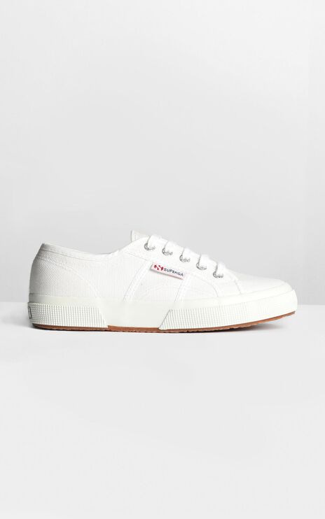Superga - 2750 Cotu Classic Sneakers In White Canvas