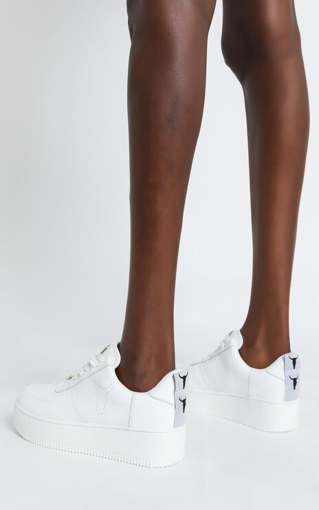Windsor Smith - Racerr Sneakers in White Leather