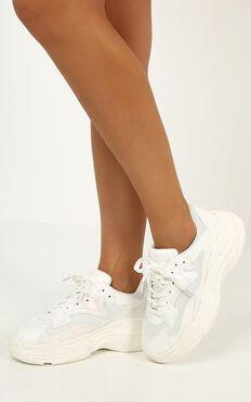 Verali - Mutha Sneakers In White
