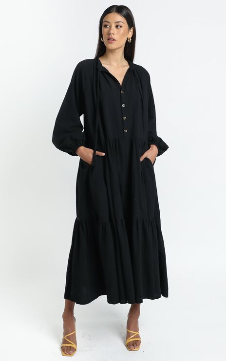 Lullaby Club - Avalon Maxi Dress in Jett