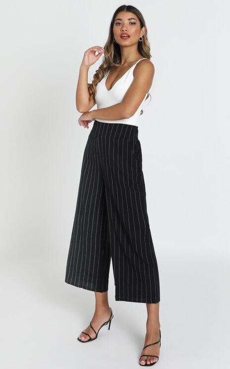 Ricki Cropped Pants In Black Pin Stripe