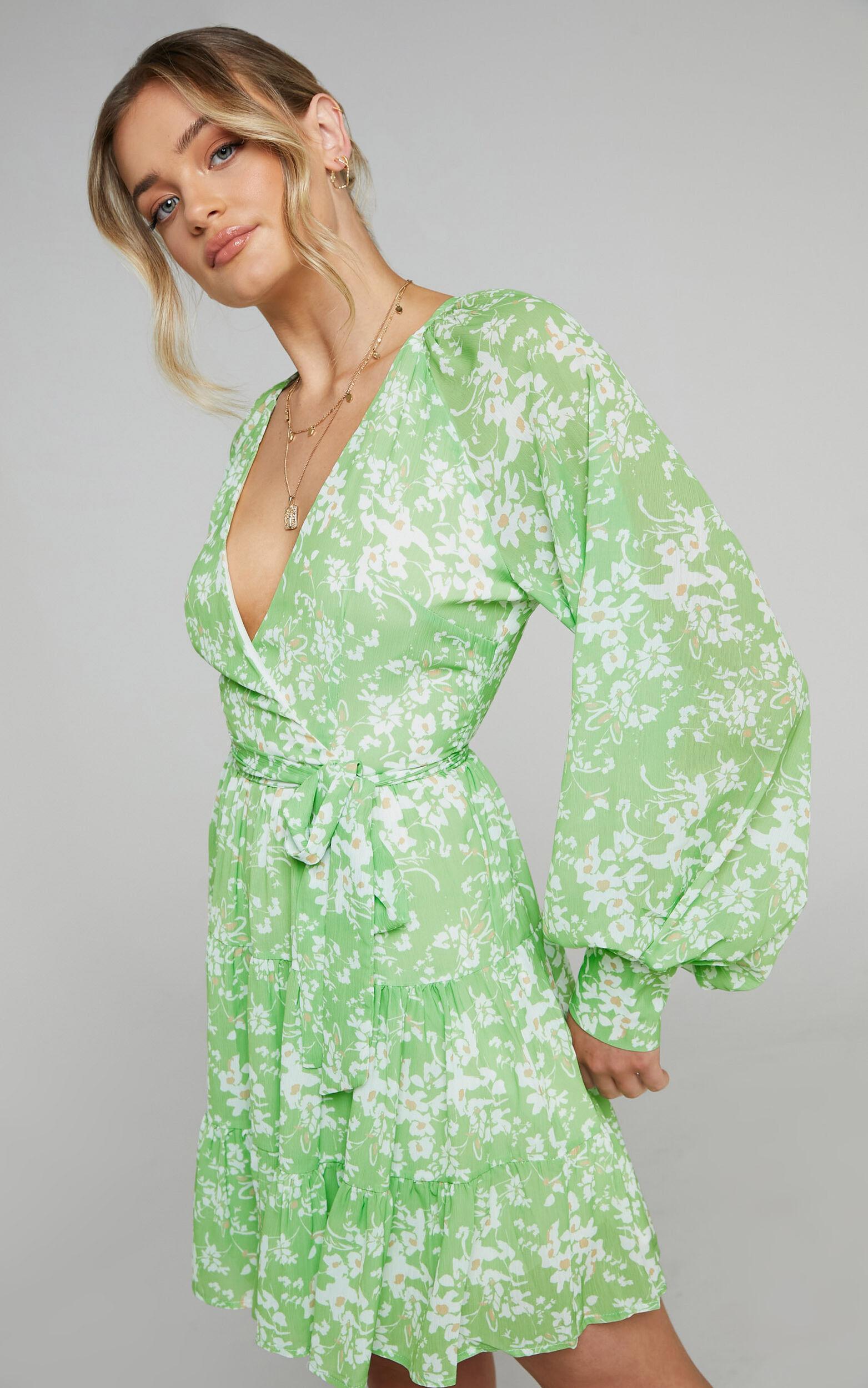 Libby Printed Longsleeve V Neck dress in Whispering Floral - 04, GRN1, super-hi-res image number null