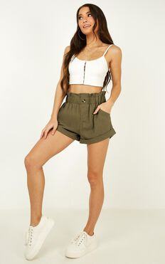 Cool and Calm Shorts In Khaki Linen Look