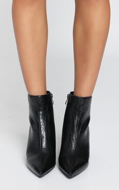 Therapy - Alloy Boots In Black Croc