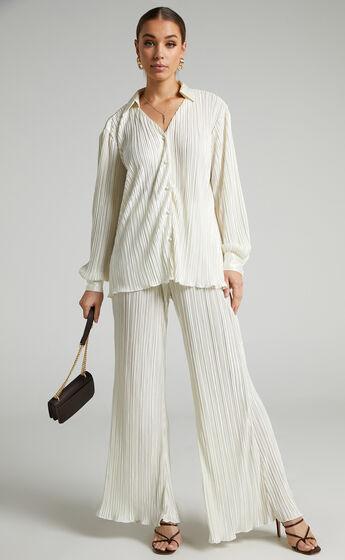 Beca Plisse Flared Pants in Cream