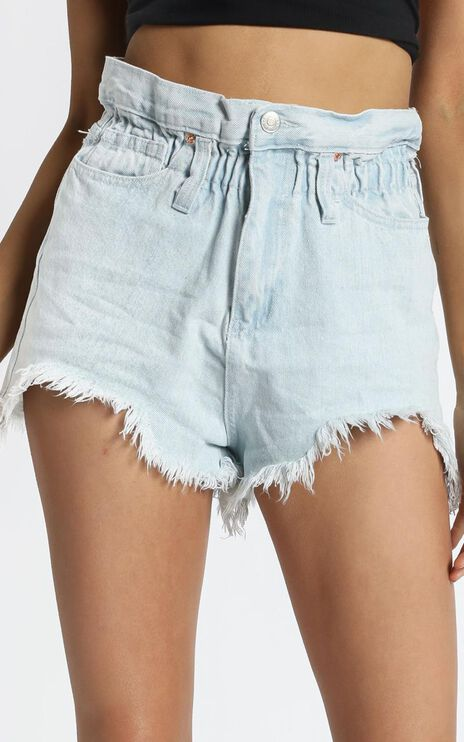 Wannabe Babe Denim Shorts in Light Wash