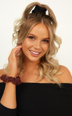 Share With Me Scrunchie 2 Pack In Rust And Black Glitter
