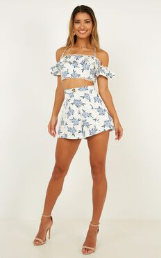 Hitting Stones Two Piece Set In Blue Floral