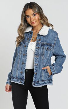 Jacey Denim Jacket in Mid Wash