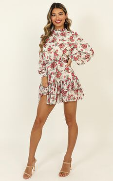 I Saw It Coming Dress In White Floral