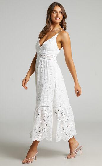 Jeannique Embroidered Midi Dress in White