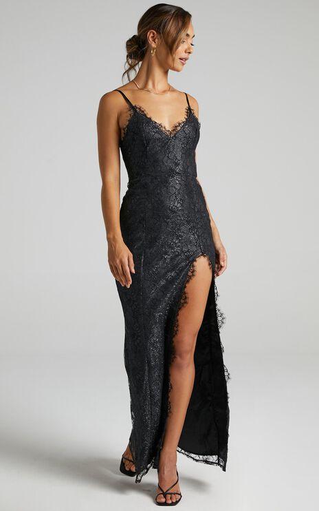 Stay Flow Dress In Black Lace