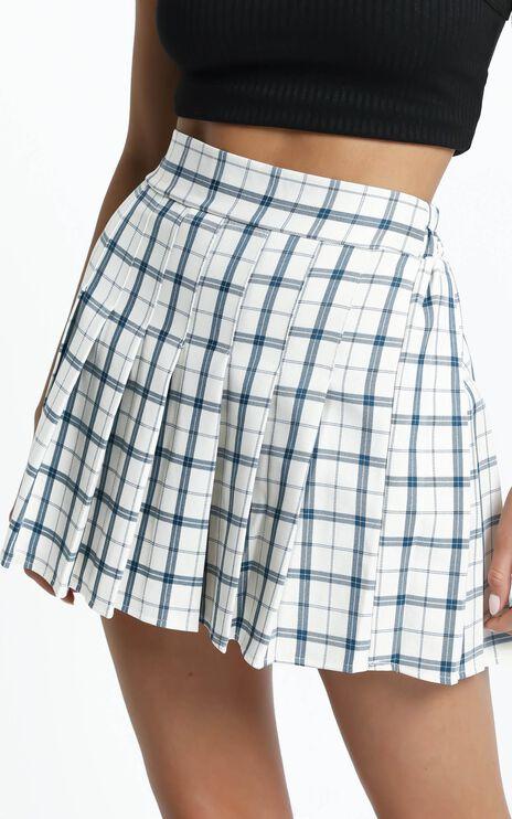 Tucker Pleated Skirt in Cream Check