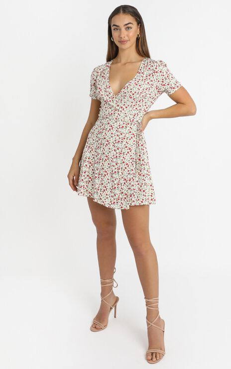 Aida Dress in White Floral