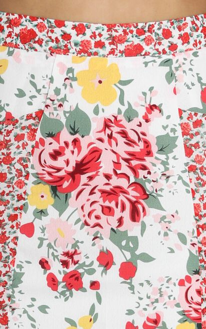 I'll Take Two Of That Mini Skirt In white floral - 20 (XXXXL), White, hi-res image number null