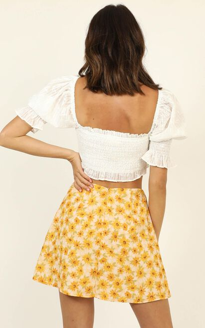 Only Offer skirt in sunflower print - 20 (XXXXL), Yellow, hi-res image number null