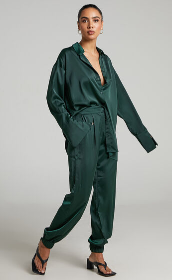 4th & Reckless - Elina Satin Shirt in Forest Green