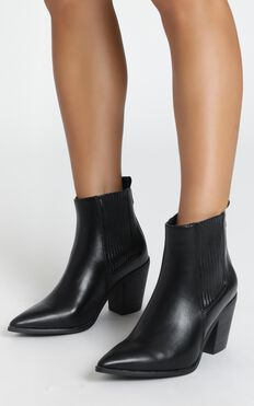 Therapy - Winnie Boots In Black