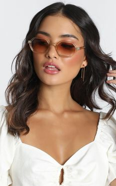 Mink Pink - Zimmy Sunglasses In Tan And Tan Grad
