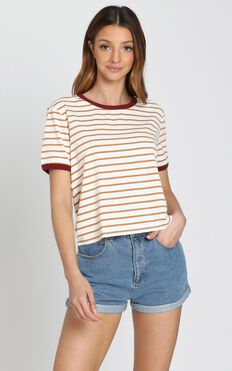 Donna Tee in Camel Stripe