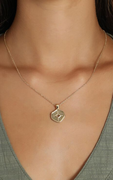 Minc Collections -  Shimmer Pendant Necklace in Gold