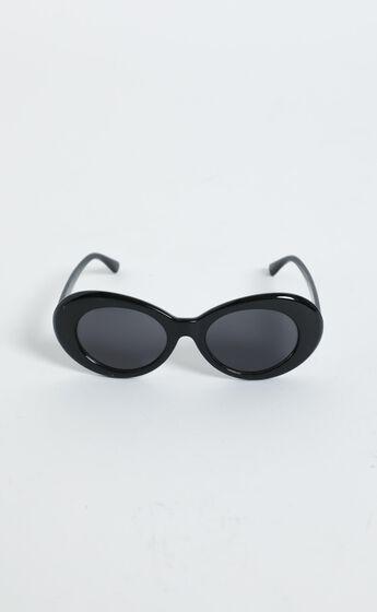 Alda Sunglasses in Black