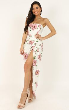 Take It From The Top Dress In White Floral