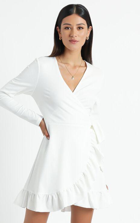 Eyes Talk Dress in White