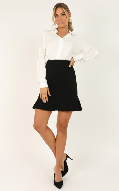 Smooth Talker Skirt In Black