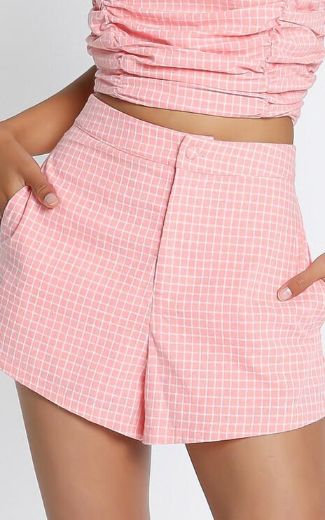 Abelia Shorts in Pink Check