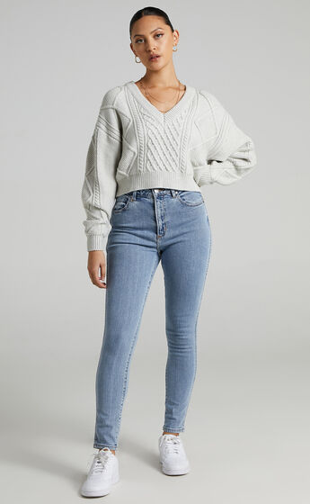 Tamsin Cable Knit Jumper in Light Grey