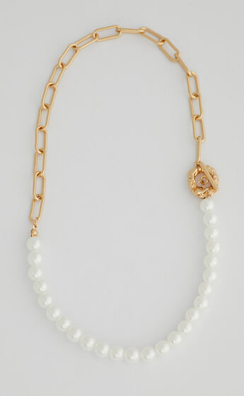 Flo Necklace in Gold