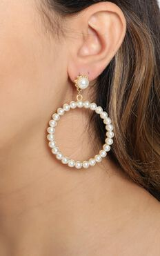 JT Luxe - Kaia Pearl Hoop Earrings in Gold