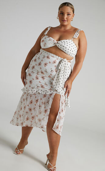Take My Picture Dress in White Floral