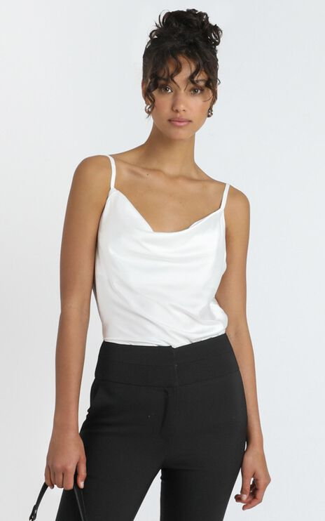 Straight Line Top in White