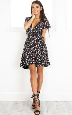 At Ease Dress In Black And Red Floral