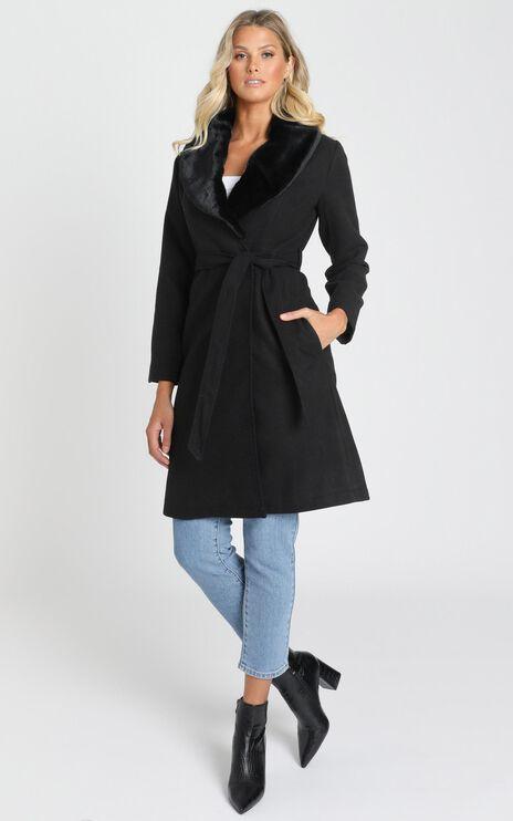 Showstopper Coat In Black