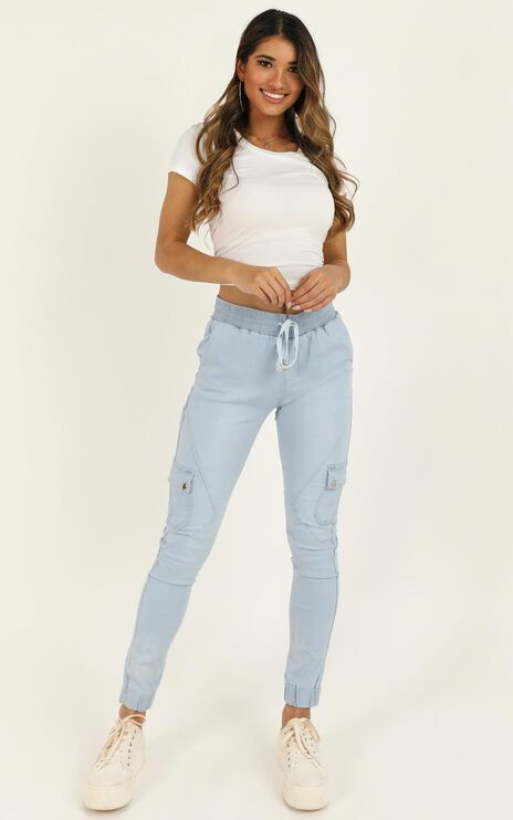Claire Jeans In Light Wash Denim