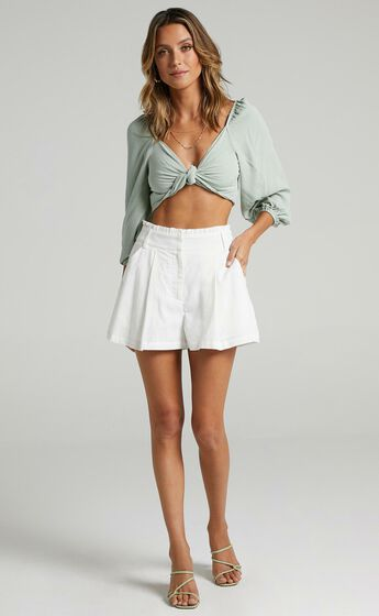 Hebe Shorts in White