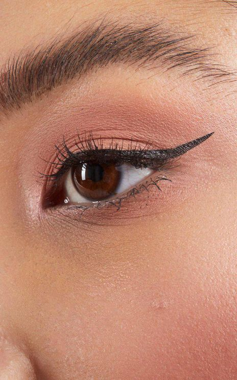 The Quick Flick - To The Point Wing Eyeliner in Black