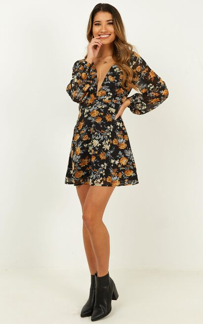 Lace Me Up Dress In black floral - 20 (XXXXL), Black, hi-res image number null