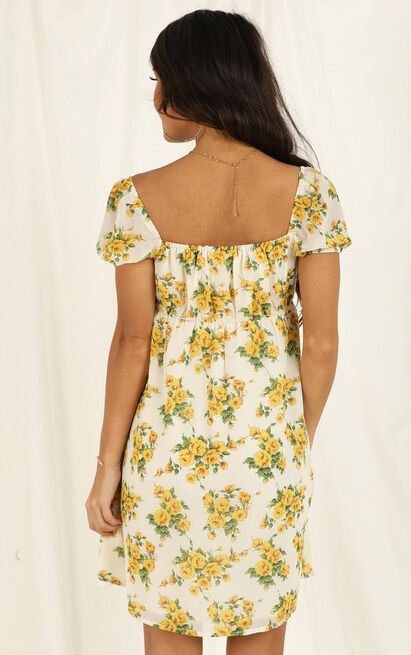 Lunch Date Dress in yellow floral - 20 (XXXXL), Yellow, hi-res image number null