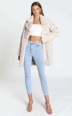 Cosy Coat in Cream