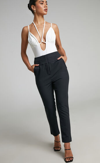 Odessa Slim Leg Tailored Pant in Black
