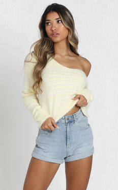 Jamila Knit Jumper In Pastel Yellow