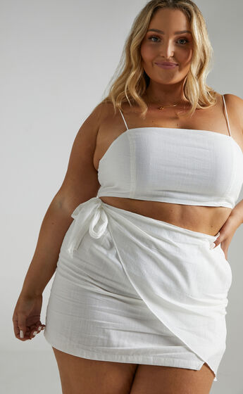 Keep On Turning Two Piece Set in White Linen Look