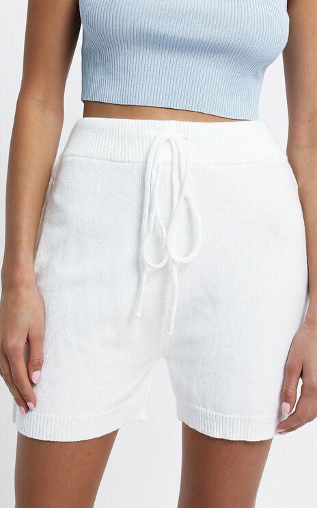 Arcadia Short in White