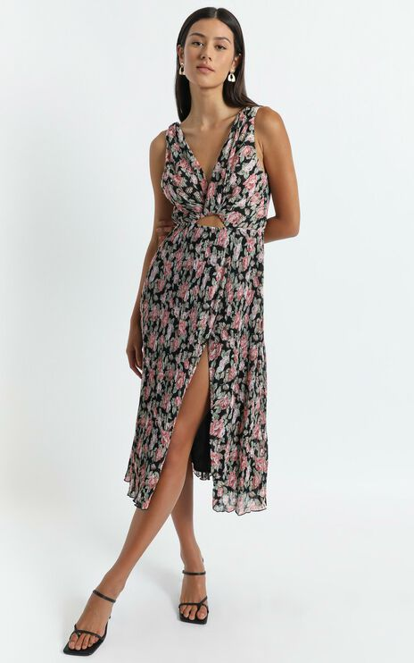 Amelia Midi Dress in Pleated Rose Floral